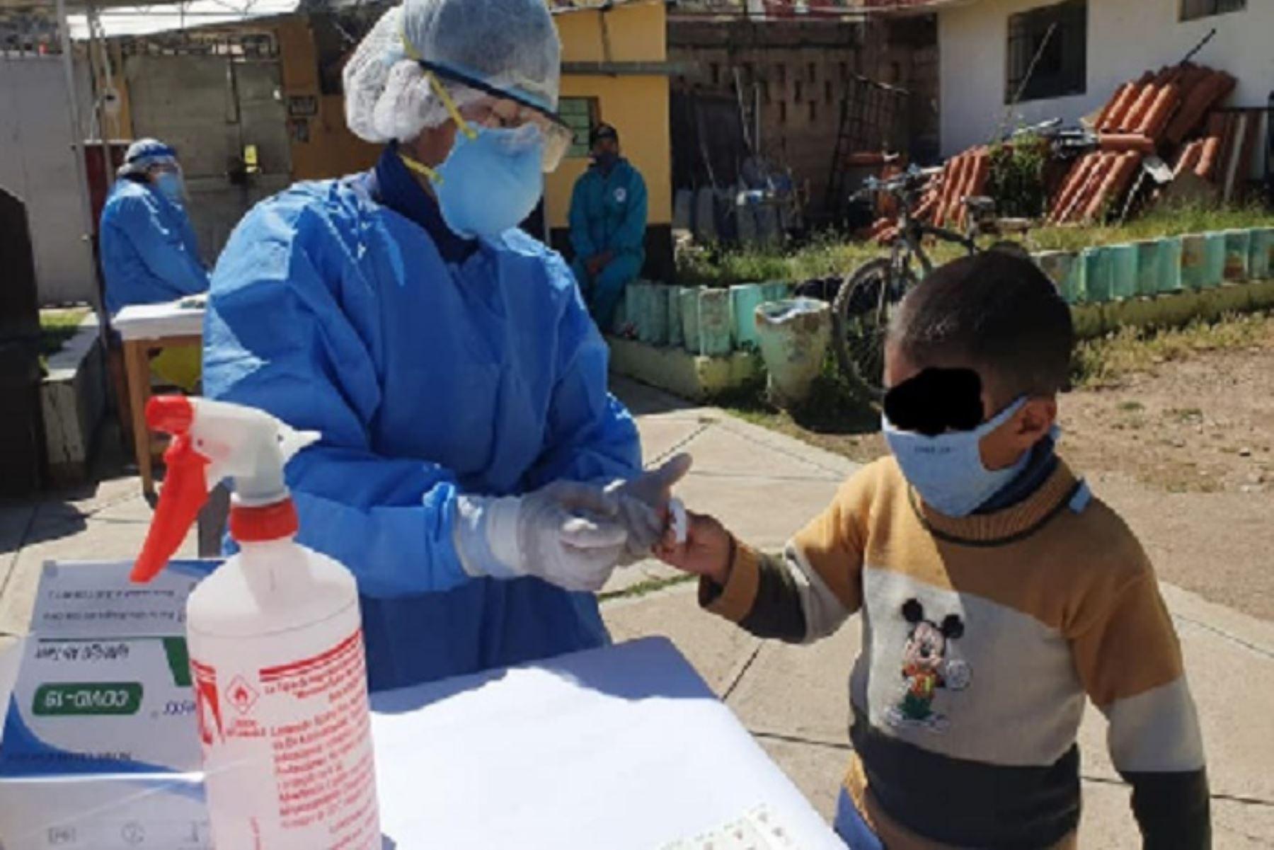 Tamizaje forma parte de las actividades que emprendió el sector Salud para priorizar la toma de pruebas en lugares cerrados y de mediana aglomeración para que estén limpios del nuevo coronavirus.