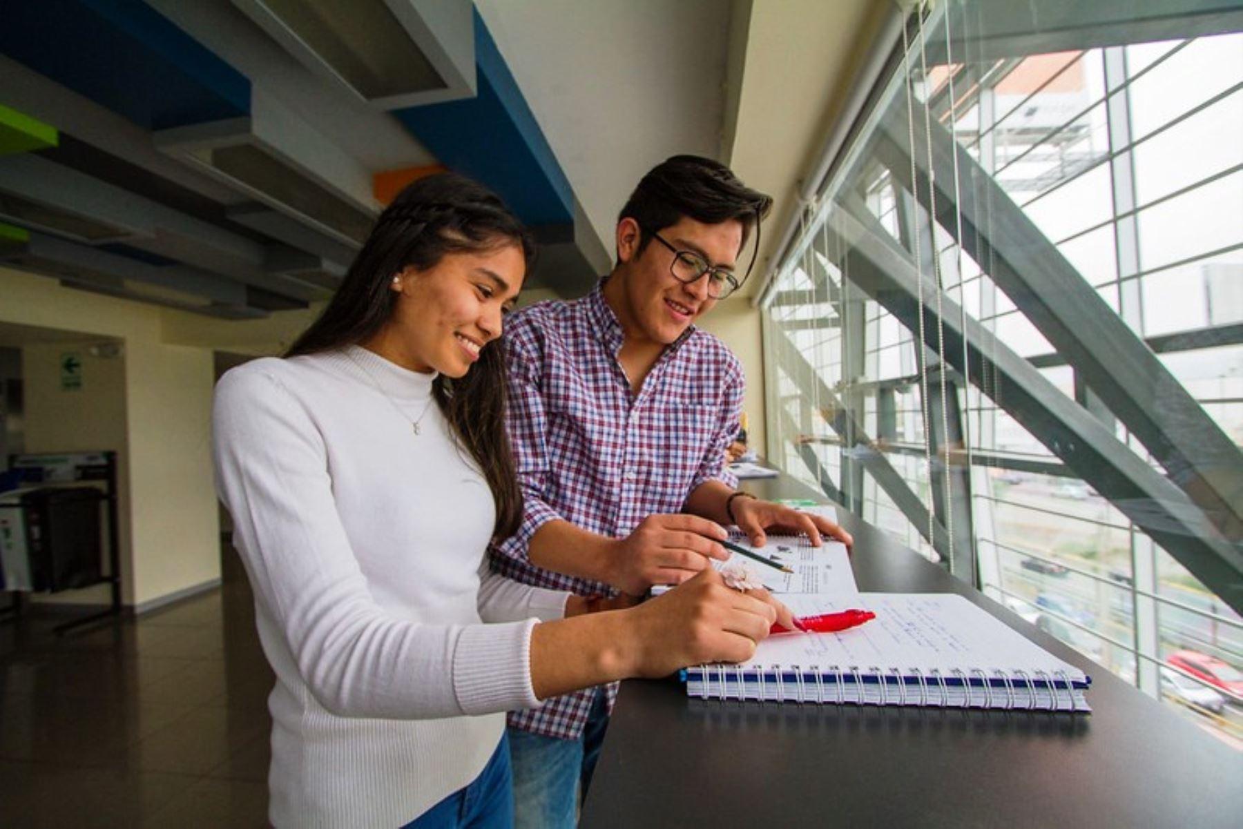 Beca Traslado otorgará 4,200 becas para estudiantes de universidades no licenciadas. Foto: ANDINA/Difusión.