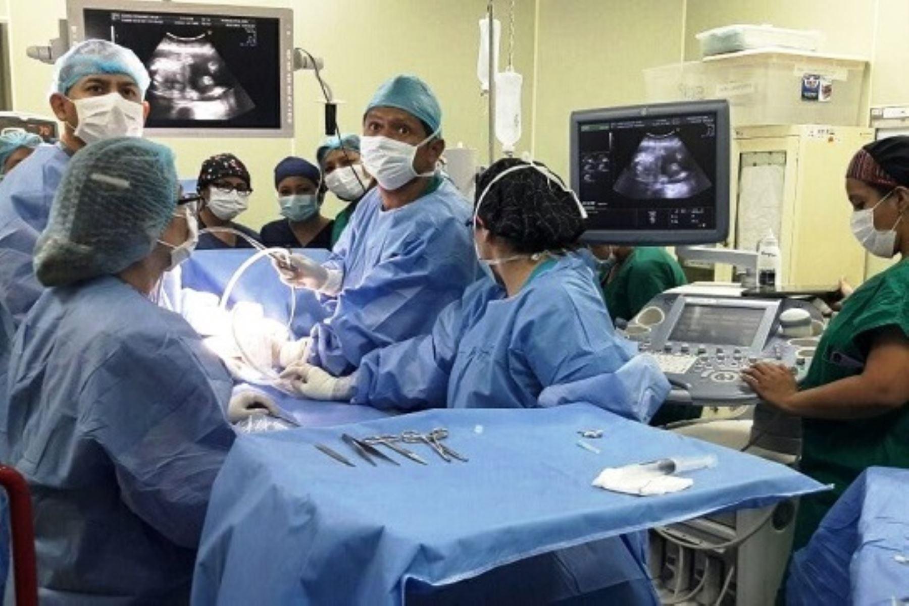 Cirugía fetal en el Instituto Nacional Materno Perinatal. Foto: ANDINA/Difusión.
