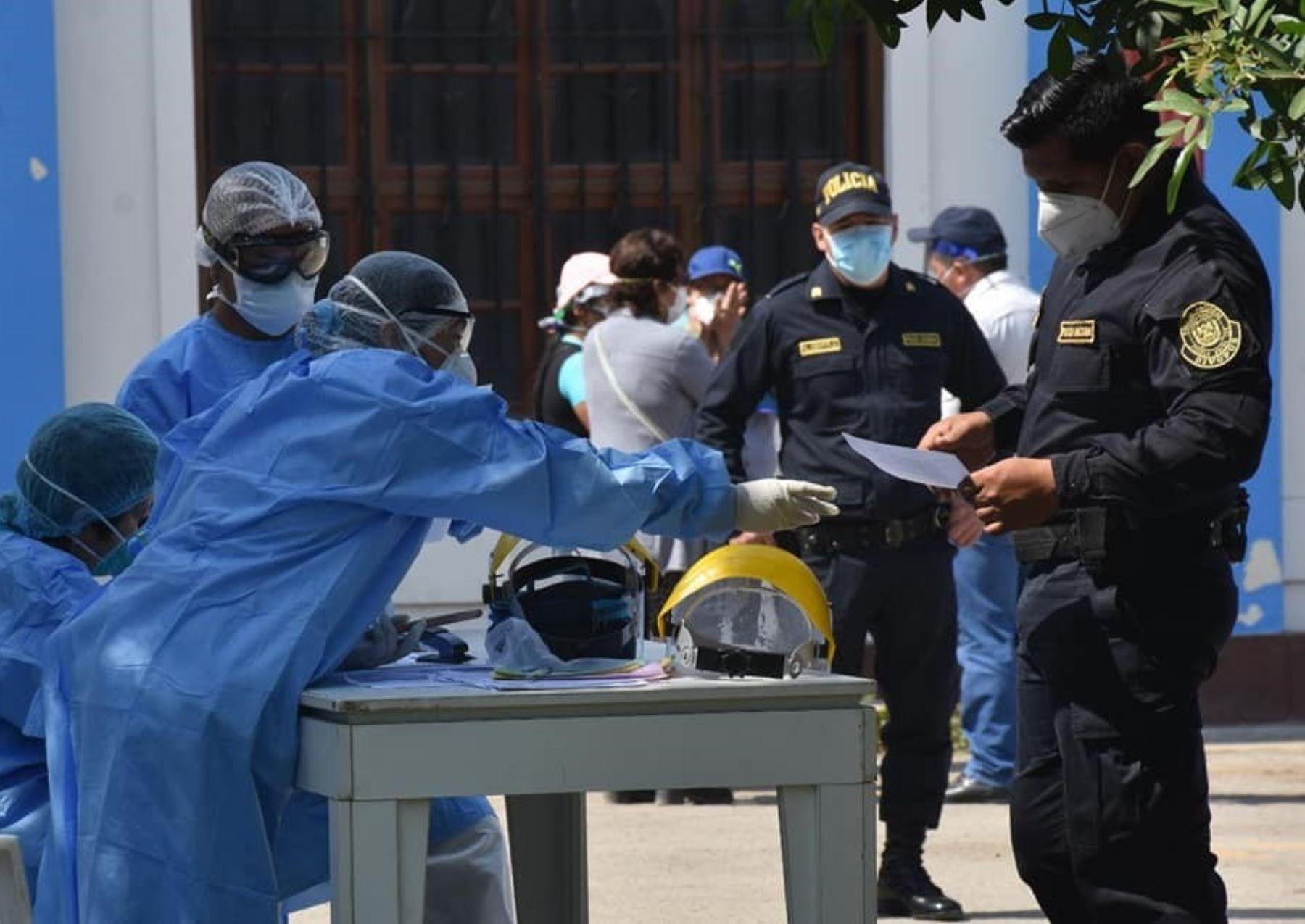 Un total de 850 policías vencieron a la pandemia de coronavirus y fueron dados de alta en Lambayeque. ANDINA/Difusión