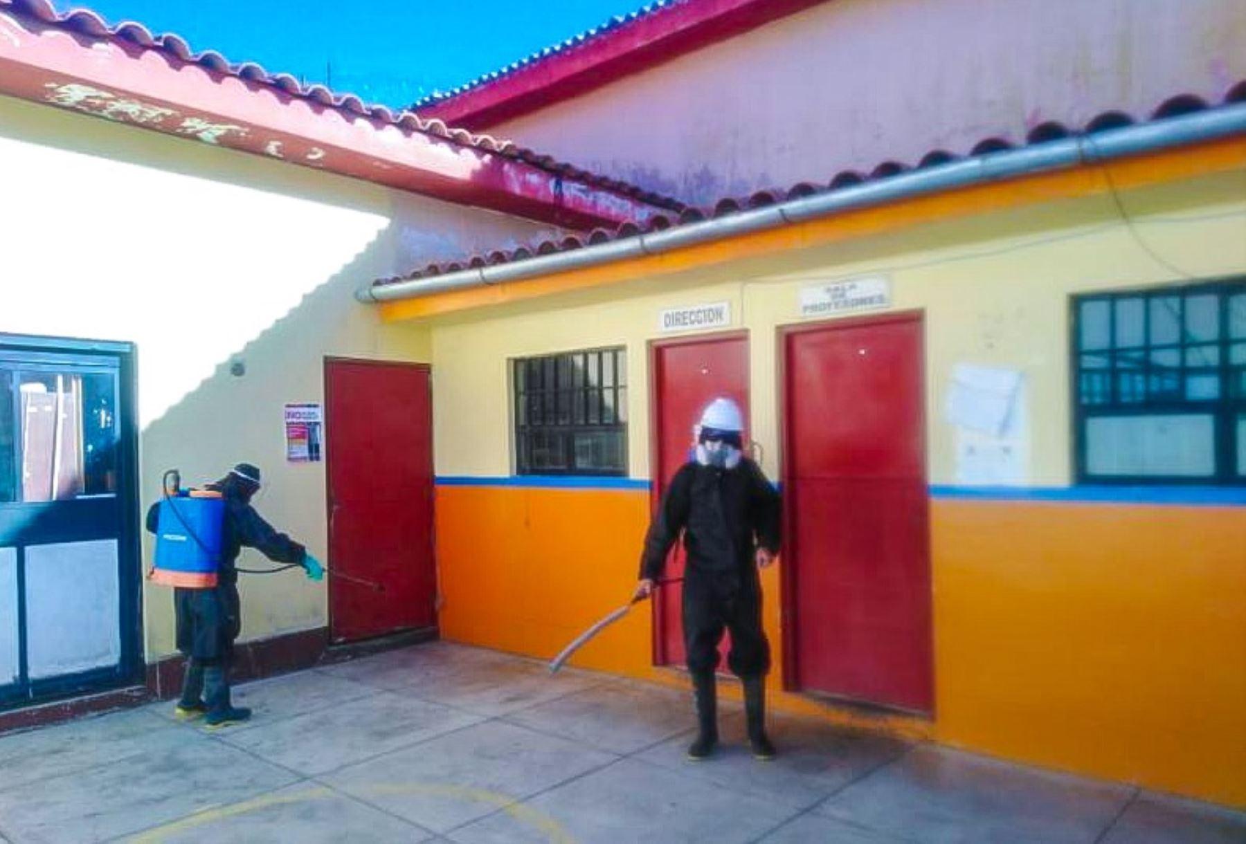 """Las autoridades del Establecimiento Penitenciario de Huaraz fortalecieron las acciones para enfrentar al nuevo coronavirus, dando cumplimiento al """"Plan de Acción Frente al Riesgo de Introducción de la Covid-19 en los penales del país"""", informó el Instituto Nacional Penitenciario (Inpe)."""