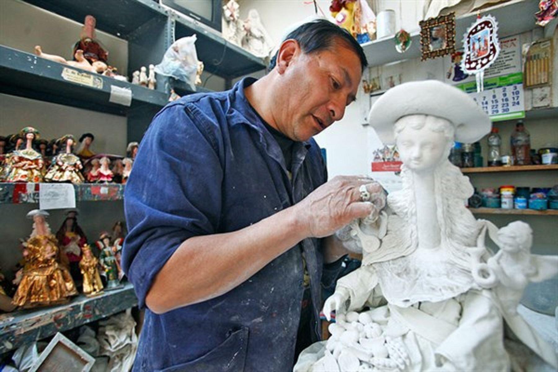 Rubros manufactura, servicios, comercio y artesanías  Foto: Archivo