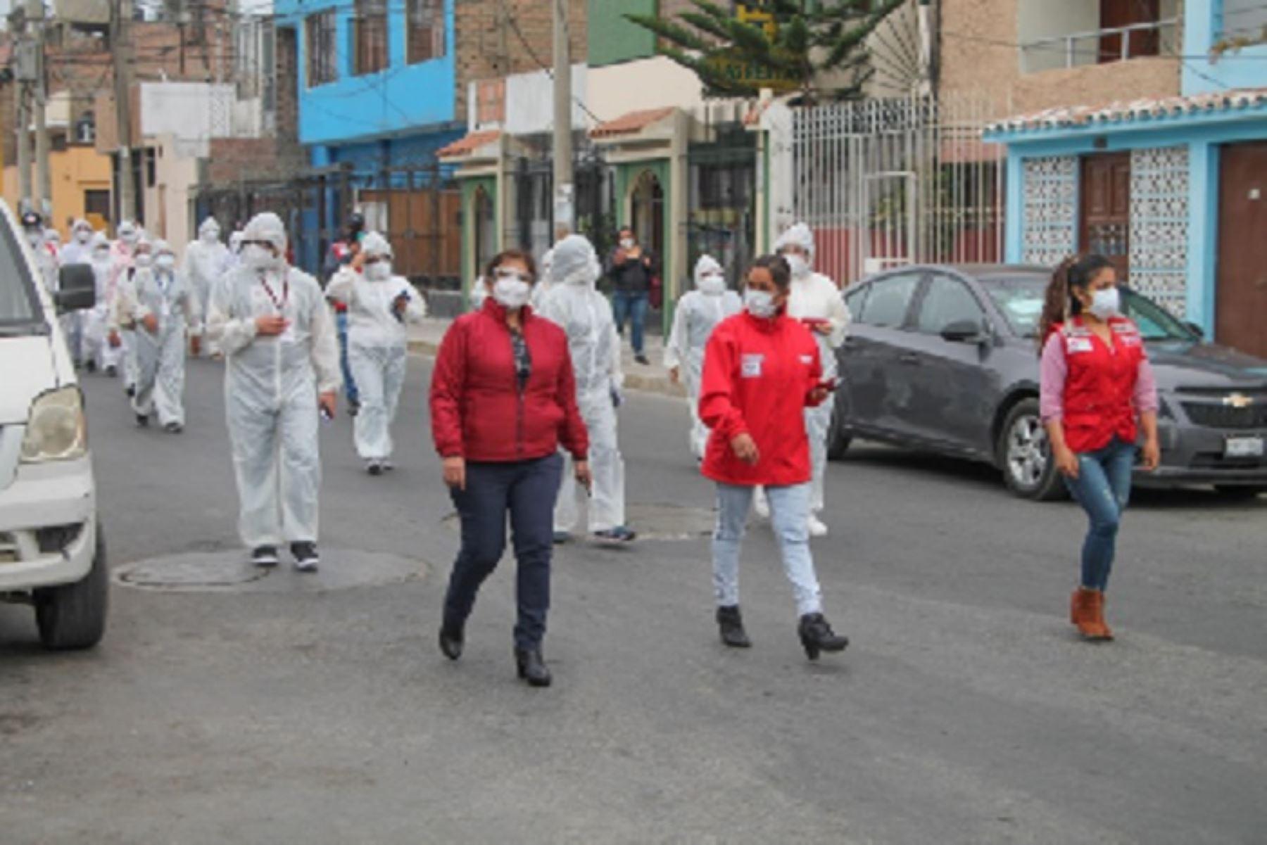 El pueblo joven El Progreso de Chimbote fue el primer lugar elegido para poner en marcha esta operación que busca resguardar a la población en riesgo frente a la pandemia del coronavirus.