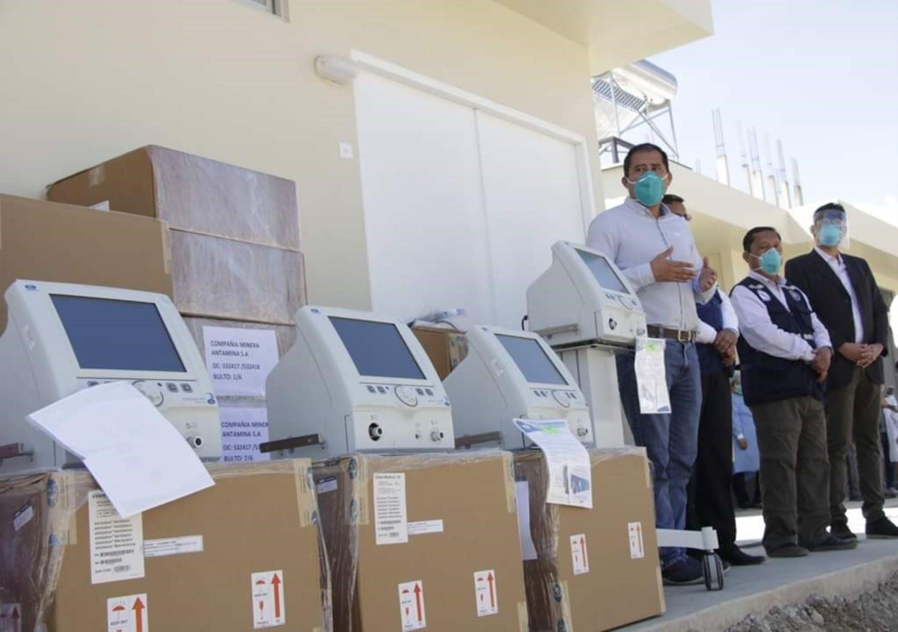 La minera Antamina donó doce ventiladores mecánicos al Hospital Víctor Ramos de Huaraz para reforzar la lucha contra el coronavirus en la capital de Áncash.