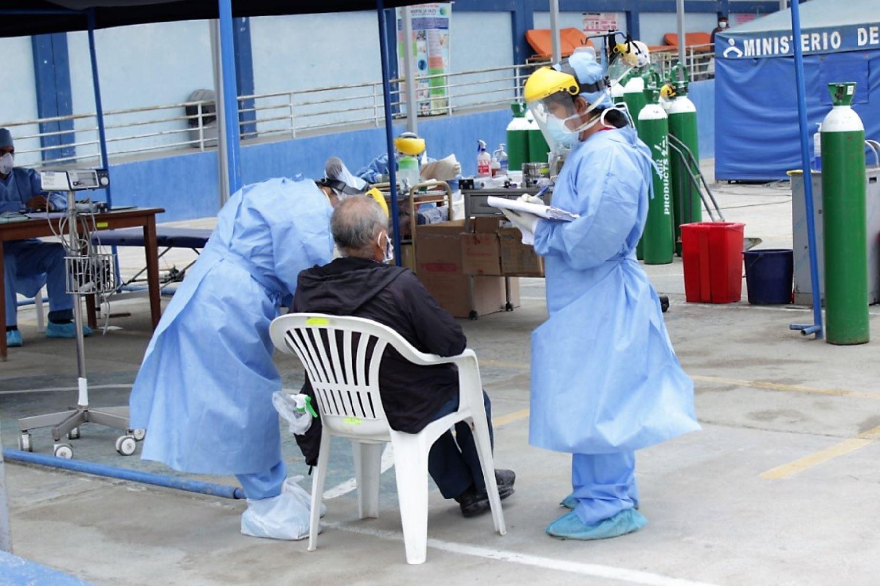 Pacientes reciben alta médica en Chimbote tras vencer al covid-19.