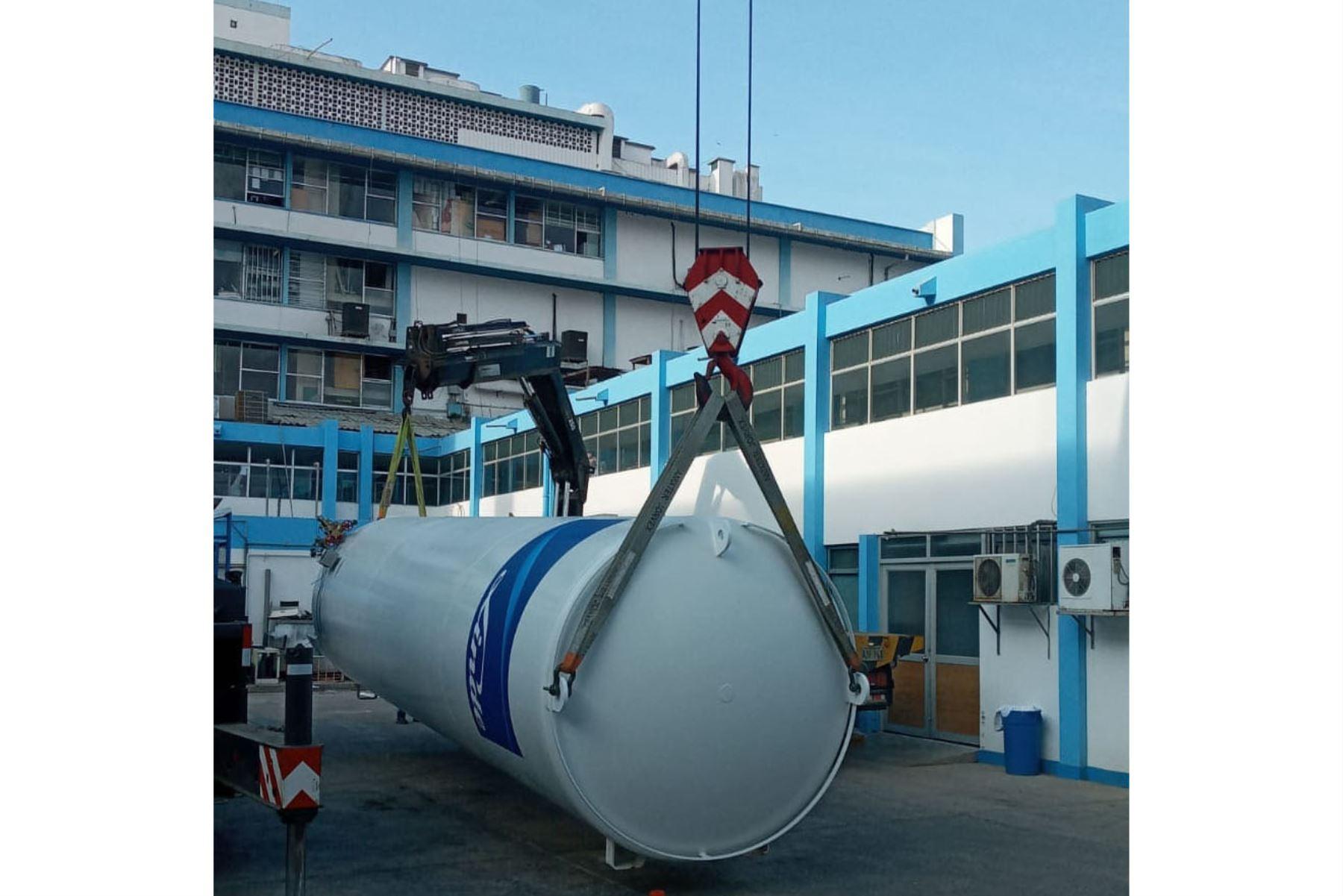 EsSalud instala isotanques de oxígeno en las regiones norteñas de Piura y Lambayeque para atención de pacientes covid-19. Foto: Essalud