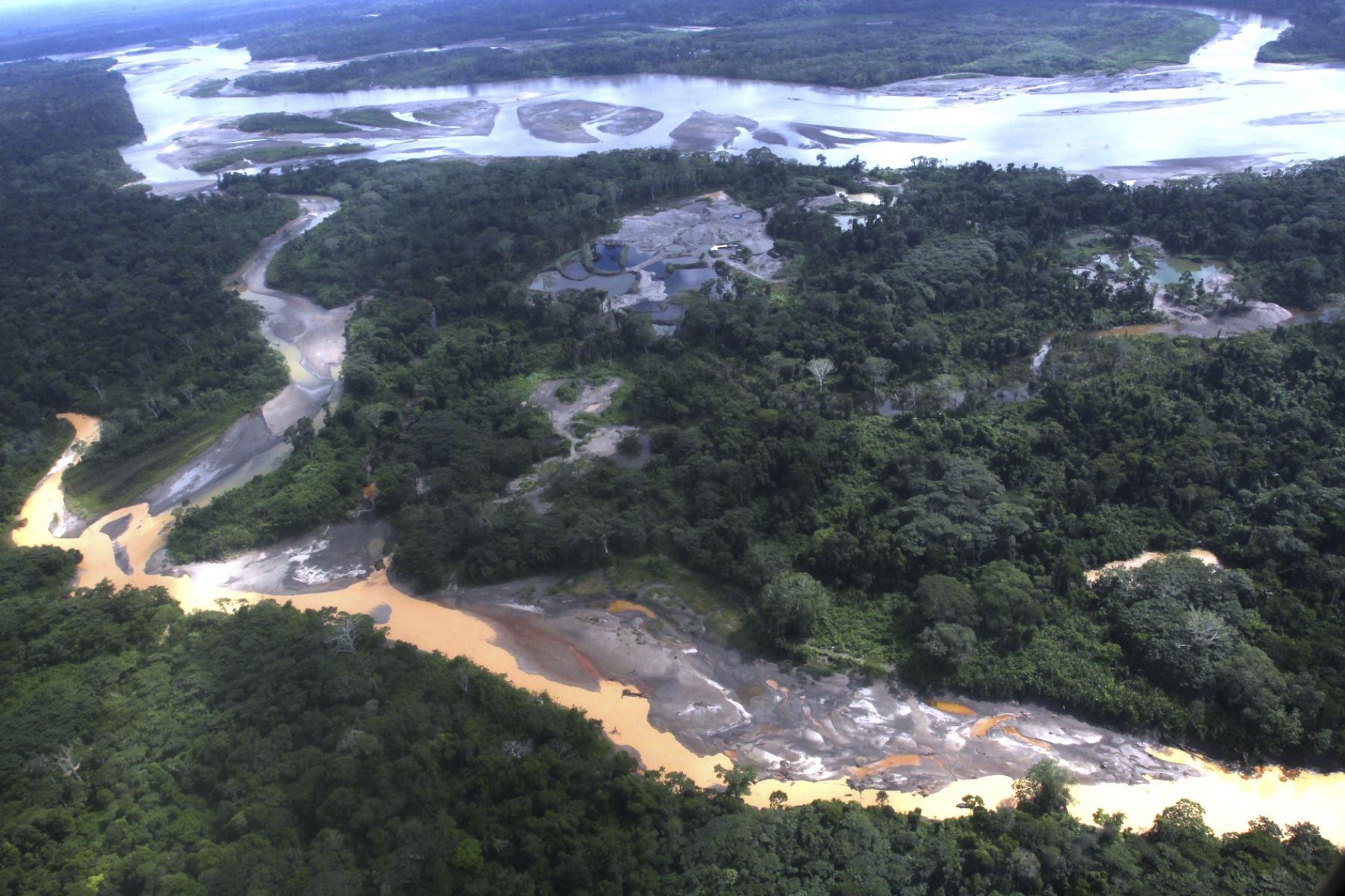 Daños ecológicos causados por la minería ilegal ya empiezan a amenazar la estabilidad y desarrollo de distintas regiones del  Perú, no solo en Madre de Dios, sostuvo el jefe del Gabinete Ministerial. ANDINA/Difusión