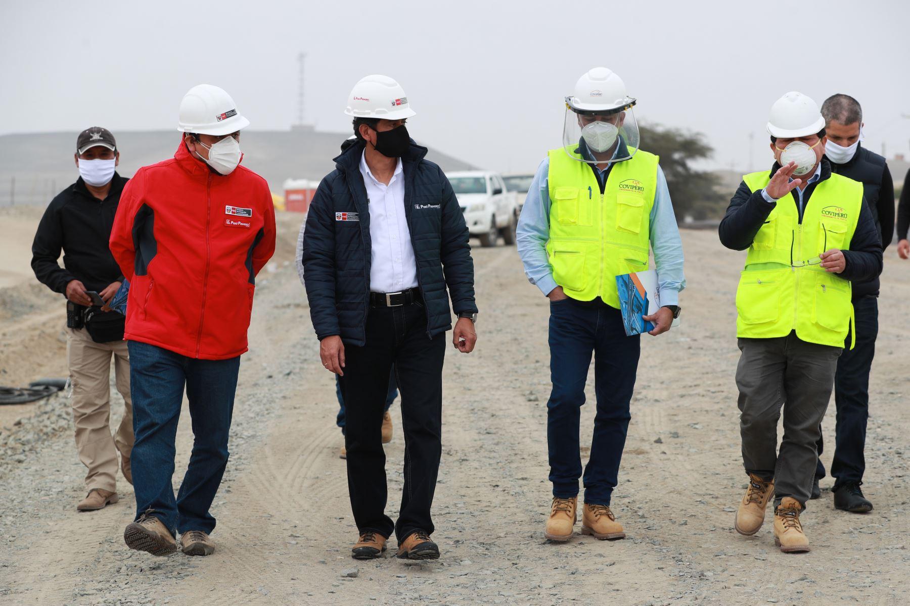 Ministro Carlos Lozada supervisa avances de segunda calzada en la Panamericana Sur de San Andrés a Guadalupe. Trabajo se reanudó en la fase 1 de la reactivación. Foto: MTC