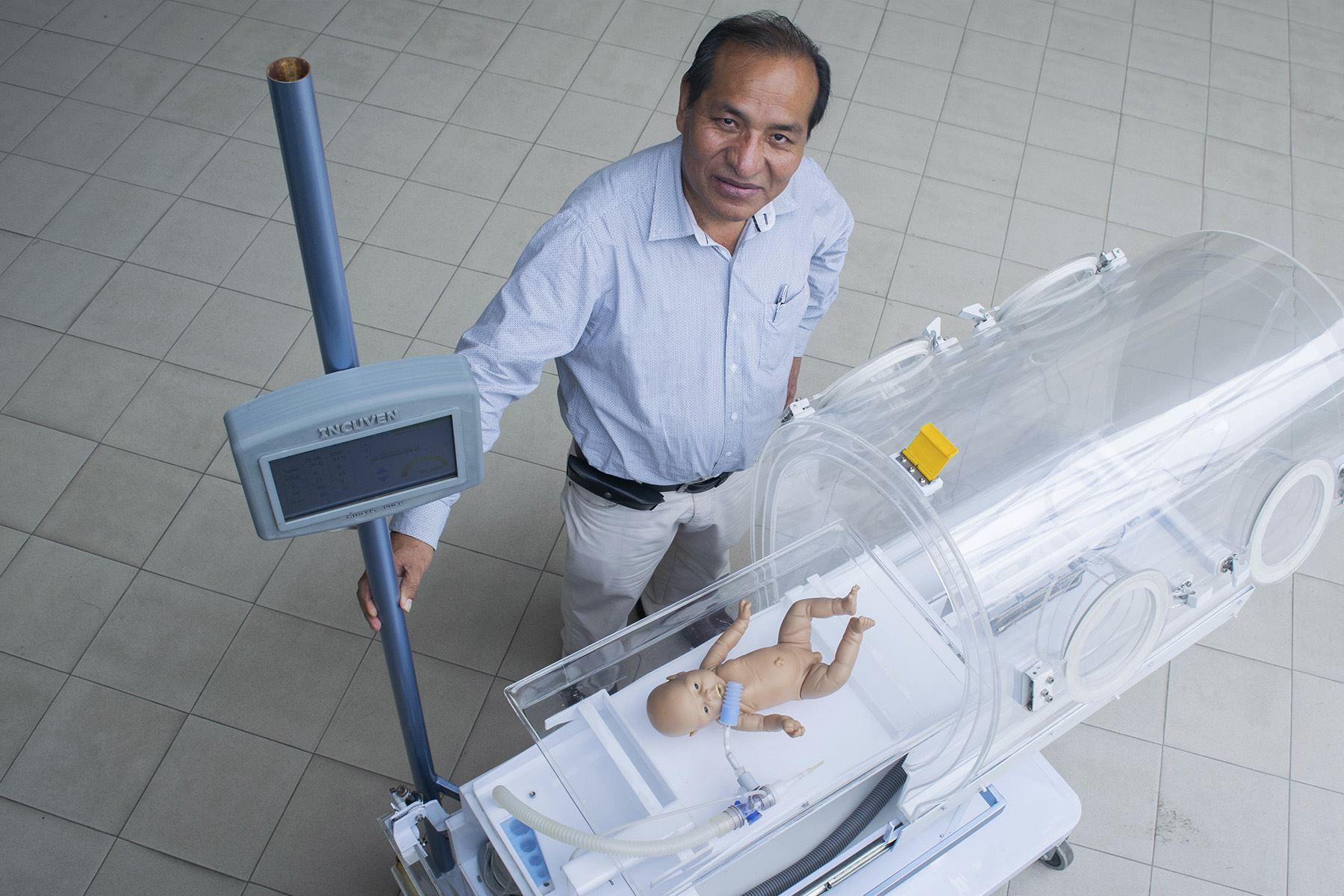 La Burbuja Artificial Neonatal es un proyecto de equipo médico que integra las funciones necesarias para que los recién nacidos prematuros puedan superar los cuidados intensivos. Foto: PUCP