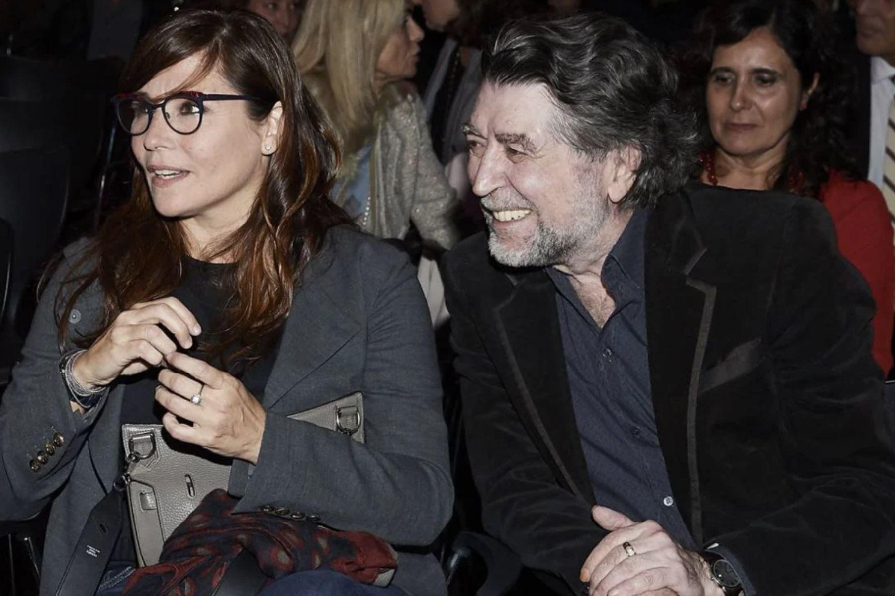 Joaquín Sabina y su ahora esposa peruana Jimena Coronado se casaron hoy en Madrid. EFE