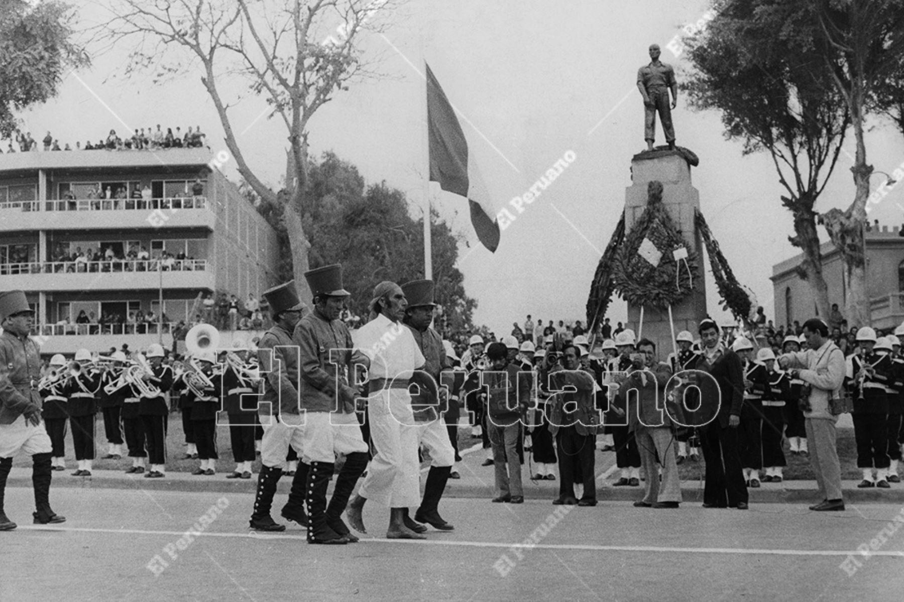 Lima - 29 junio 1978 / Representación del sacrificio del procer chorrillano José Olaya en Chorrillos.    Foto: Archivo Histórico de El Peruano / Bernardo Torres