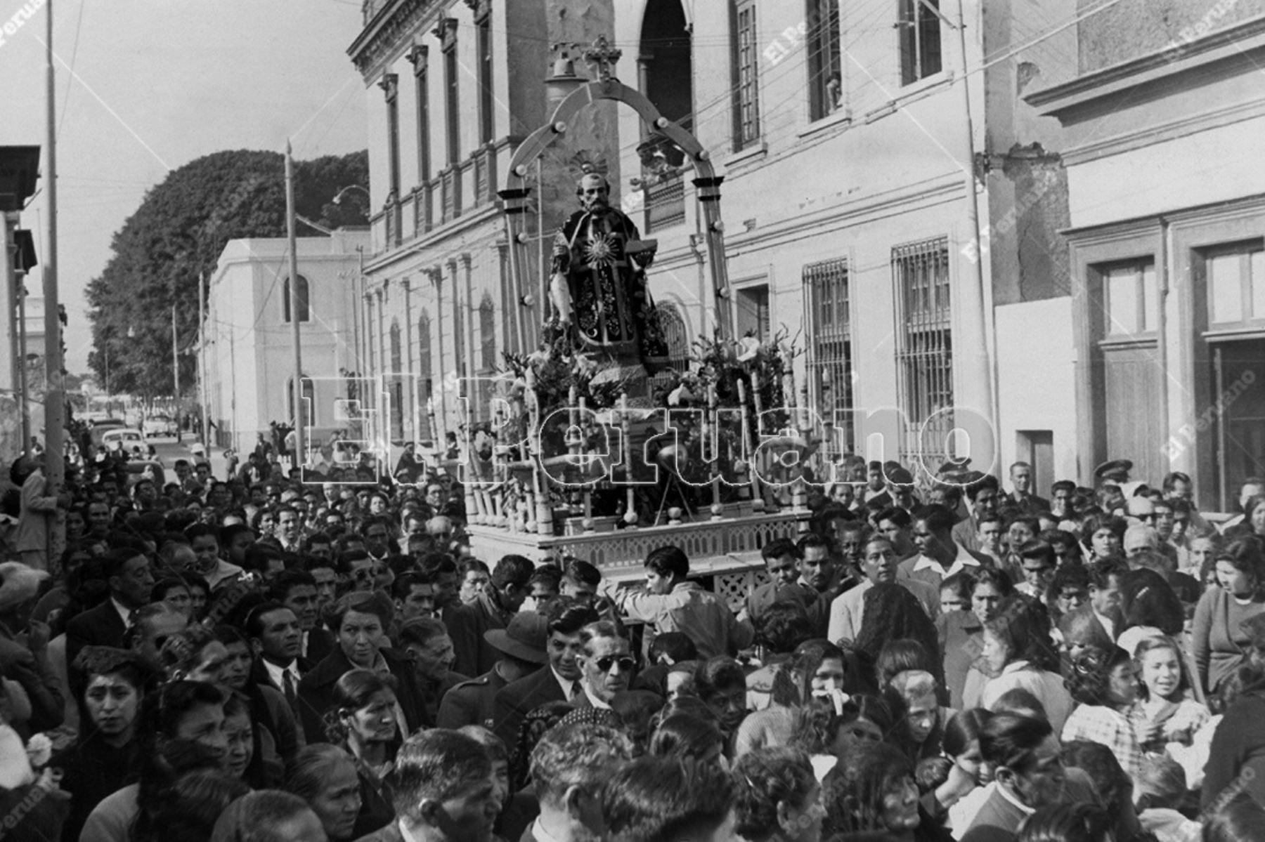 Chorrillos - 29 junio 1953  / Procesión de San Pedro, patrón de Chorrillos.    Foto: Archivo Histórico de El Peruano