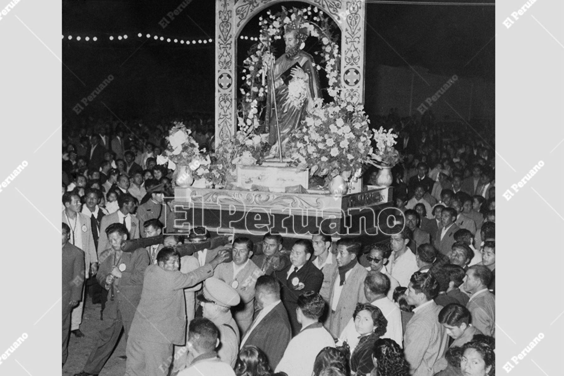 Callao - 29 junio 1955  / Procesión de San Pedro en el Callao.   Foto: Archivo Histórico de El Peruano / Alejandro Meza