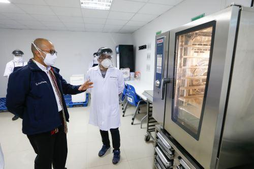 Coronavirus: Ministro de Salud Víctor Zamora supervisó, el Coliseo Lolo Fernández de Cañete.