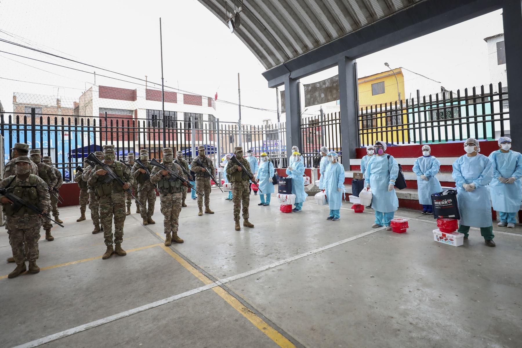El Alcalde Jorge Muñoz supervisó la  operación Tayta en el Cercado de Lima, en el marco de continuar en la lucha contra el Covid-19 Foto:ANDINA/MLM.