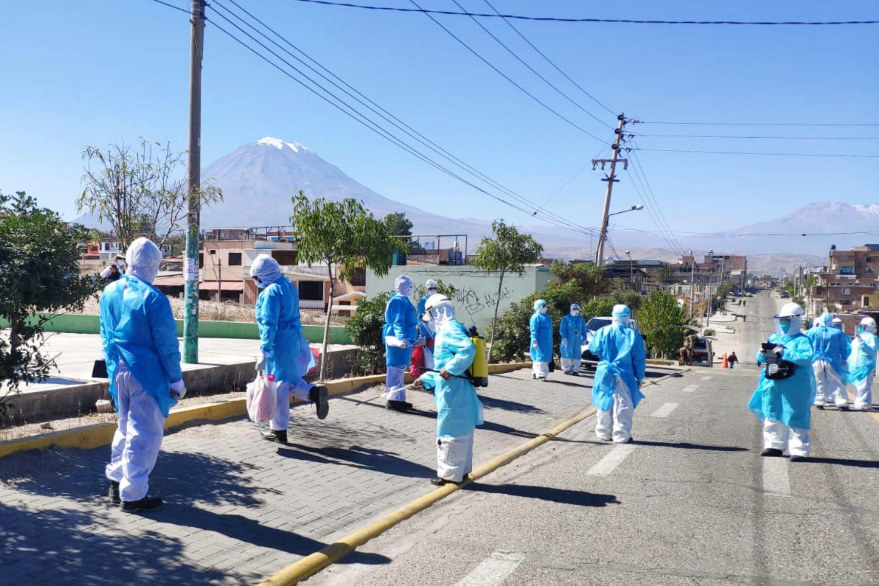 El alcalde provincial de Arequipa, Omar Candia, propuso aplicar más medidas restrictivas para frenar el avance de la covid-19. ANDINA/Difusión