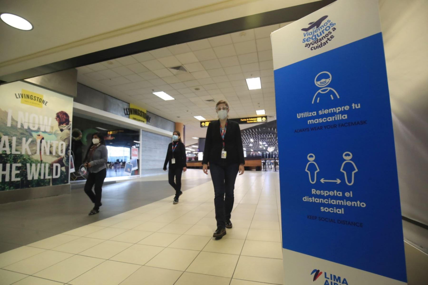 Pamela Morena, gerenta de operaciones de Lima Airport Partners (LAP) presentó el protocolo de sanidad que se implementará en el reinicio de los vuelos nacionales.  Foto: ANDINA/ Juan Carlos Guzmán