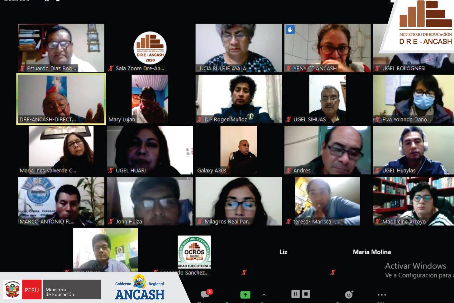 El titular de la DRE Áncash, José Mejía, sostuvo una reunión virtual con los directores de las 20 unidades de gestión educativa local. Foto: ANDINA/Difusión