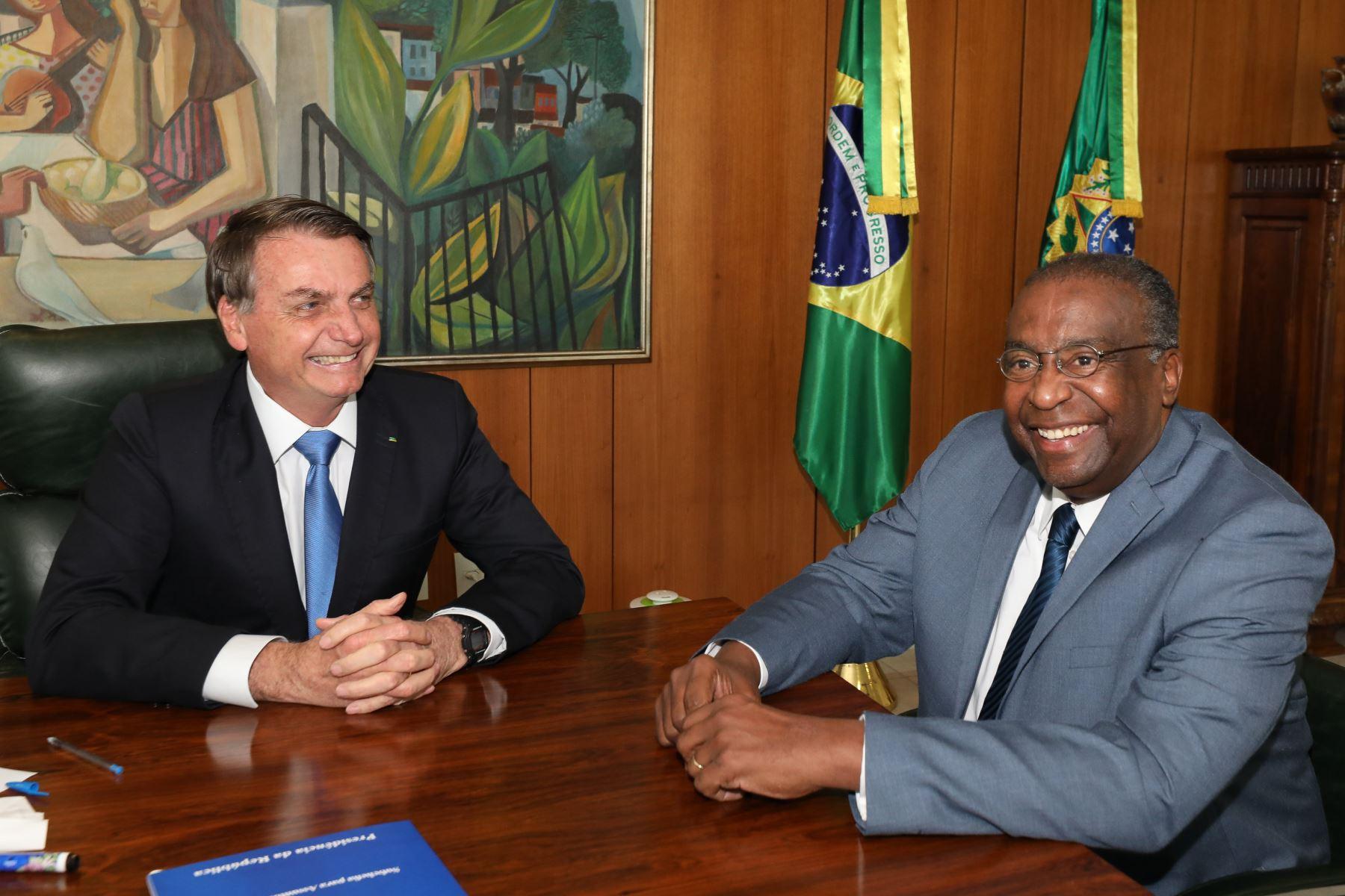 Decotelli entregó su carta de renuncia al mandatario ultraderechista en el Palacio de Planalto, solo cinco días después de haber sido nombrado. Foto: AFP
