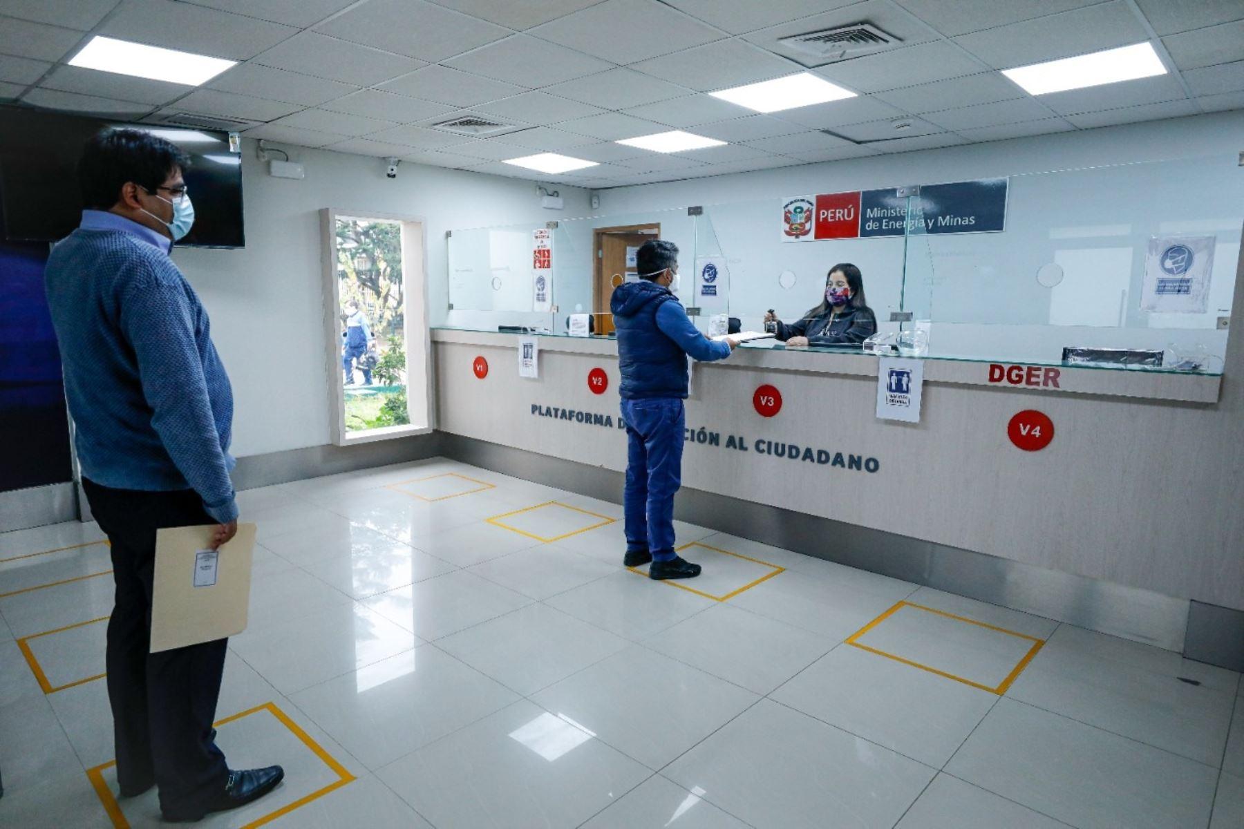 Atención presencial en el Ministerio de Energía y Minas (Minem). Foto: Cortesía.