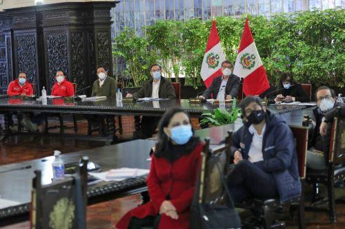 Presidente Vizcarra encabeza nueva sesión del Consejo de Ministros