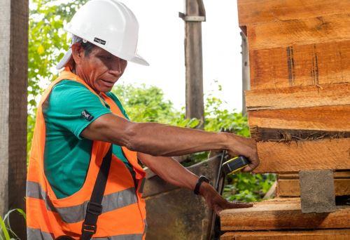 Pobladores indígenas se preparan para participar de reactivación de actividades forestales.