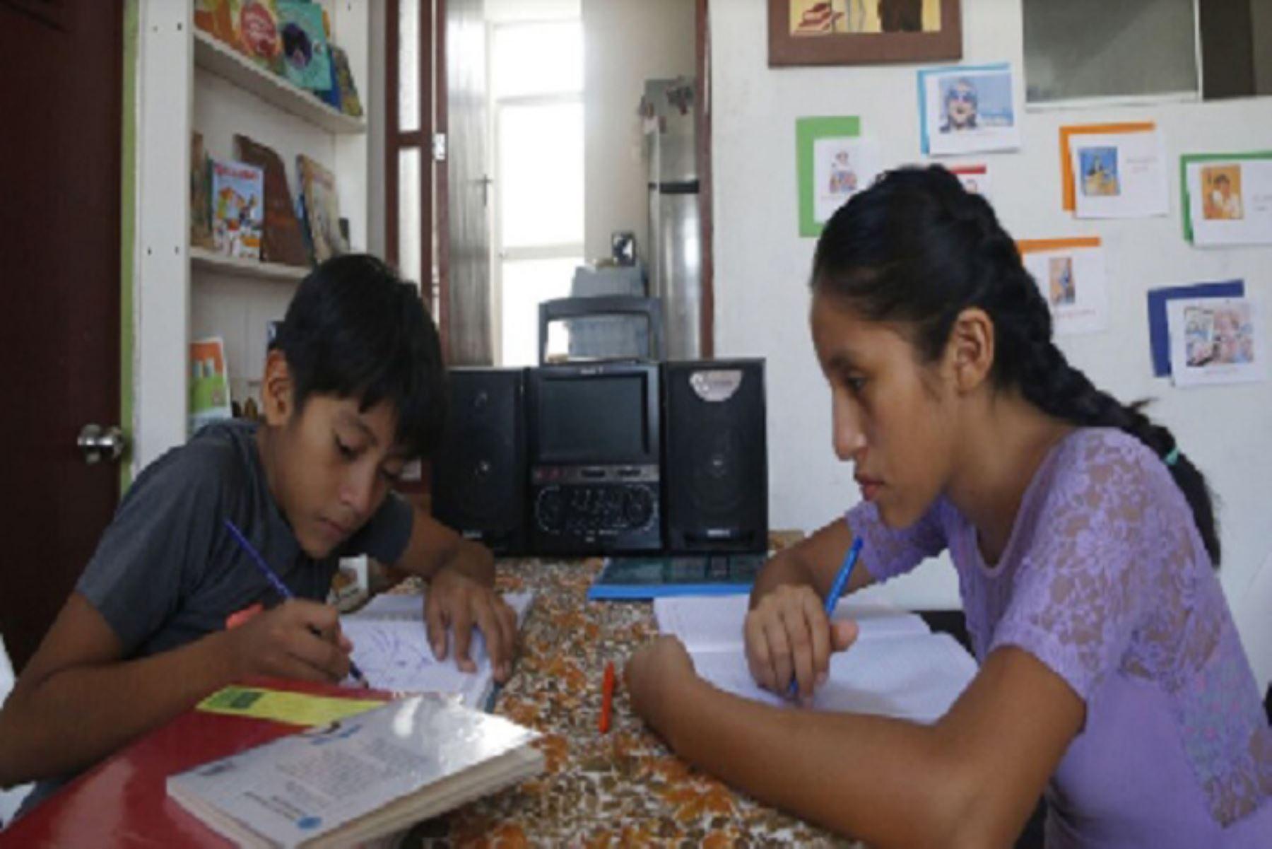 Aprendo en casa llega al 80% de los escolares de los colegios públicos. ANDINA/Minedu