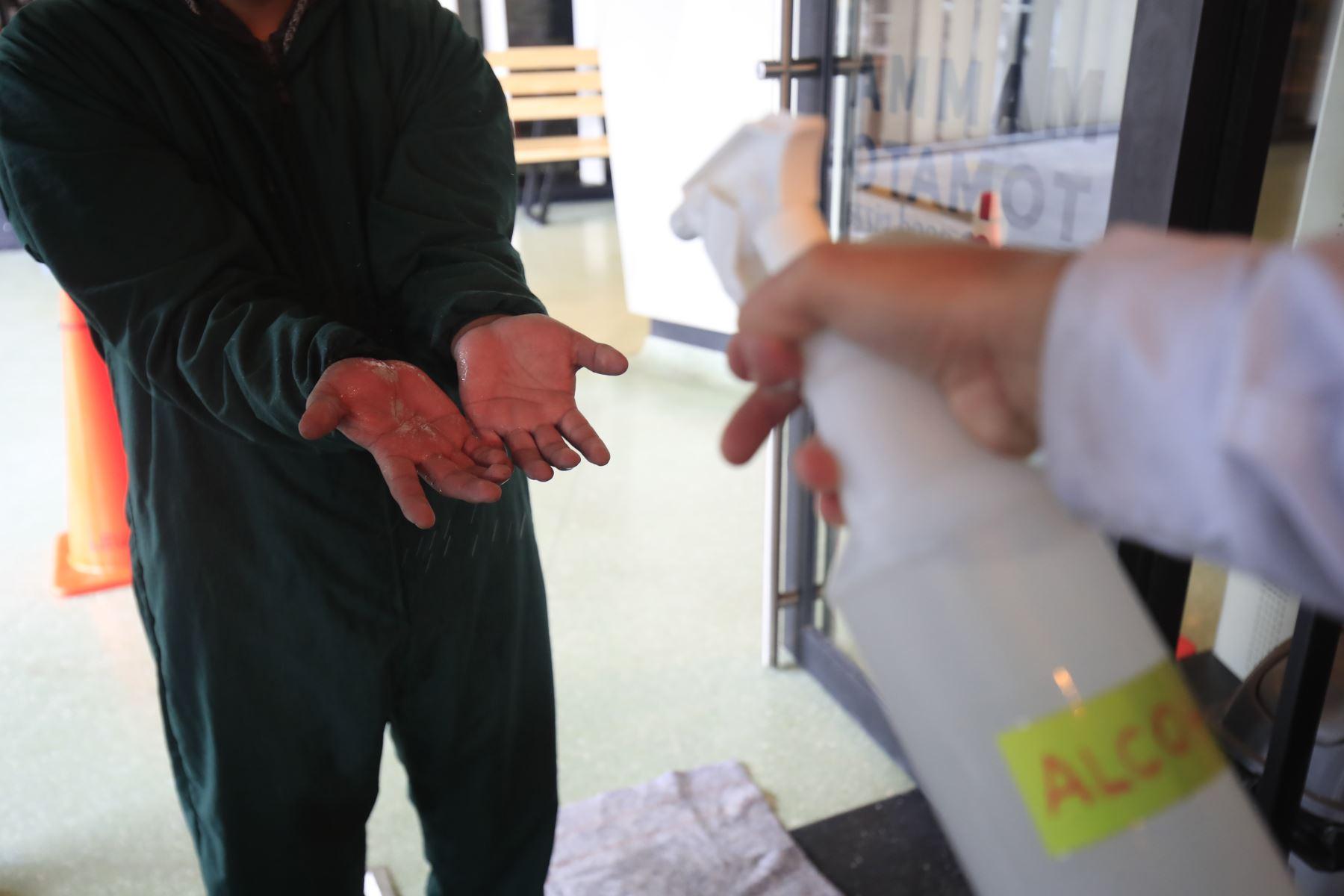 """Pizzería """" Mamma Tomato"""" reanuda sus actividades económicas, cuidando los protocolos   sanitarios,  en el marco de la implementación de la fase 3 mediante el Decreto Supremo 117-2020-PCM  promulgada  para combatir el covid – 19. Foto: ANDINA/Juan Carlos Guzmán"""