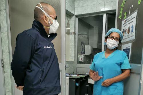 """Coronavirus: En el marco del operativo """"Protección"""",  ministro de Salud realiza visita inopinada al hospital Carlos Lanfranco La Hoz de Puente Piedra"""