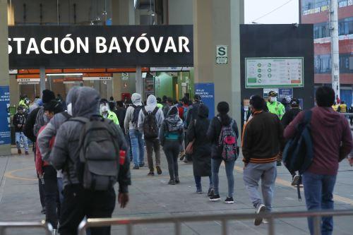 Coronavirus: Ministro del Interior y titular de Defensa  dan alcances sobre seguridad ciudadana, orden y distanciamiento social desde la estación Bayovar en San Juan de Lurigancho