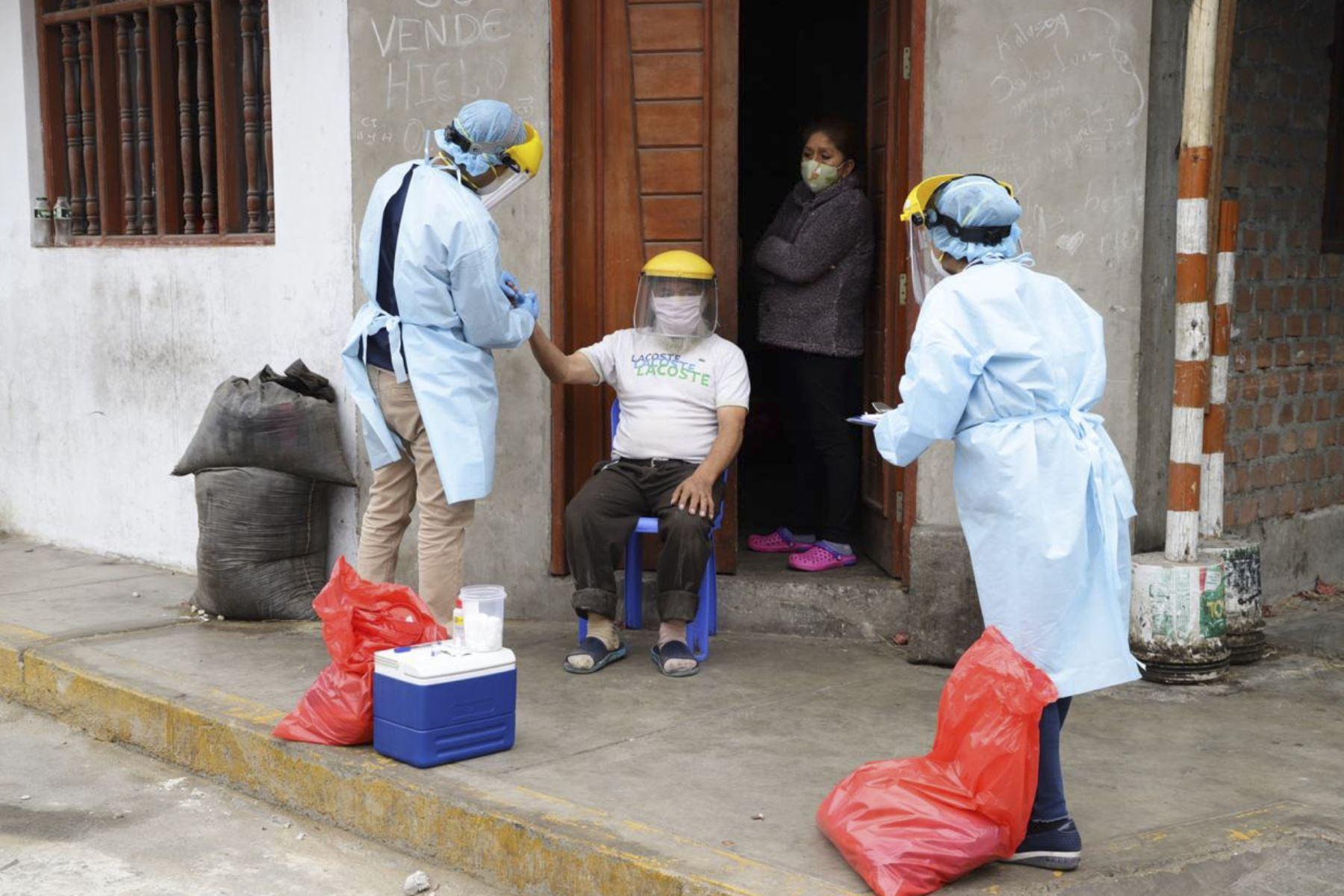 La operación Tayta permitió detectar 58 casos positivos de nuevo coronavirus en Chimbote, región Áncash. Foto: ANDINA/Difusión