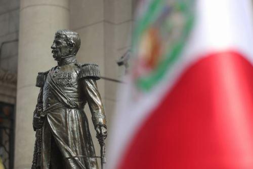 Develación de la escultura del mariscal Ramón Castilla