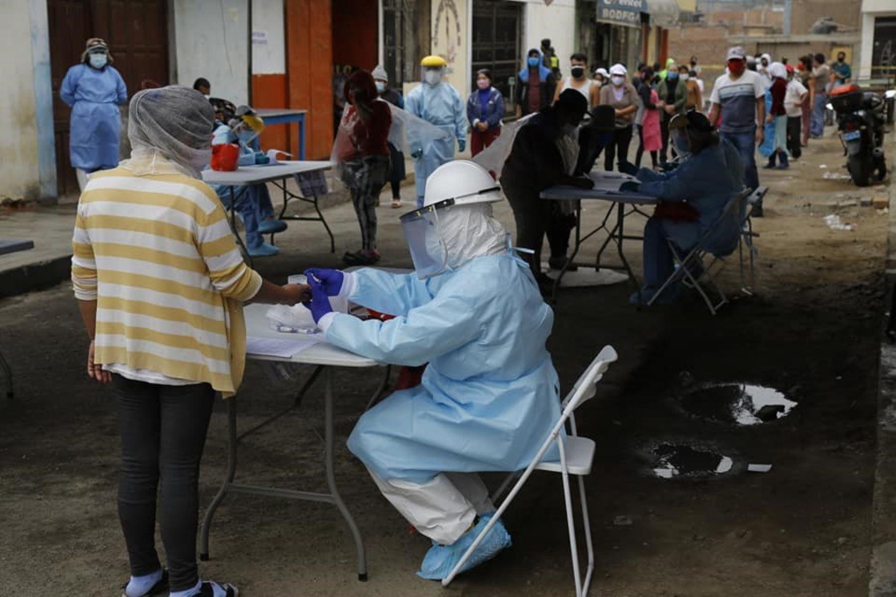 La municipalidad del Santa comprará pruebas rápidas para reforzar control epidemiológico en los mercados.