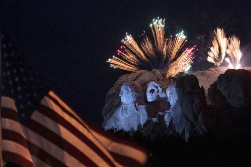 Fuegos artificiales por celebración de la Independencia en Estados Unidos
