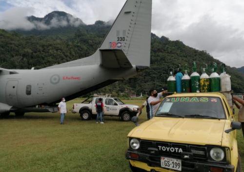 El Ministerio de Salud (Minsa) envió esta mañana 45 balones cargados con oxígeno medicinal a Tingo María, en la región Huánuco, para atender la demanda de este insumo requerido por los pacientes covid-19.