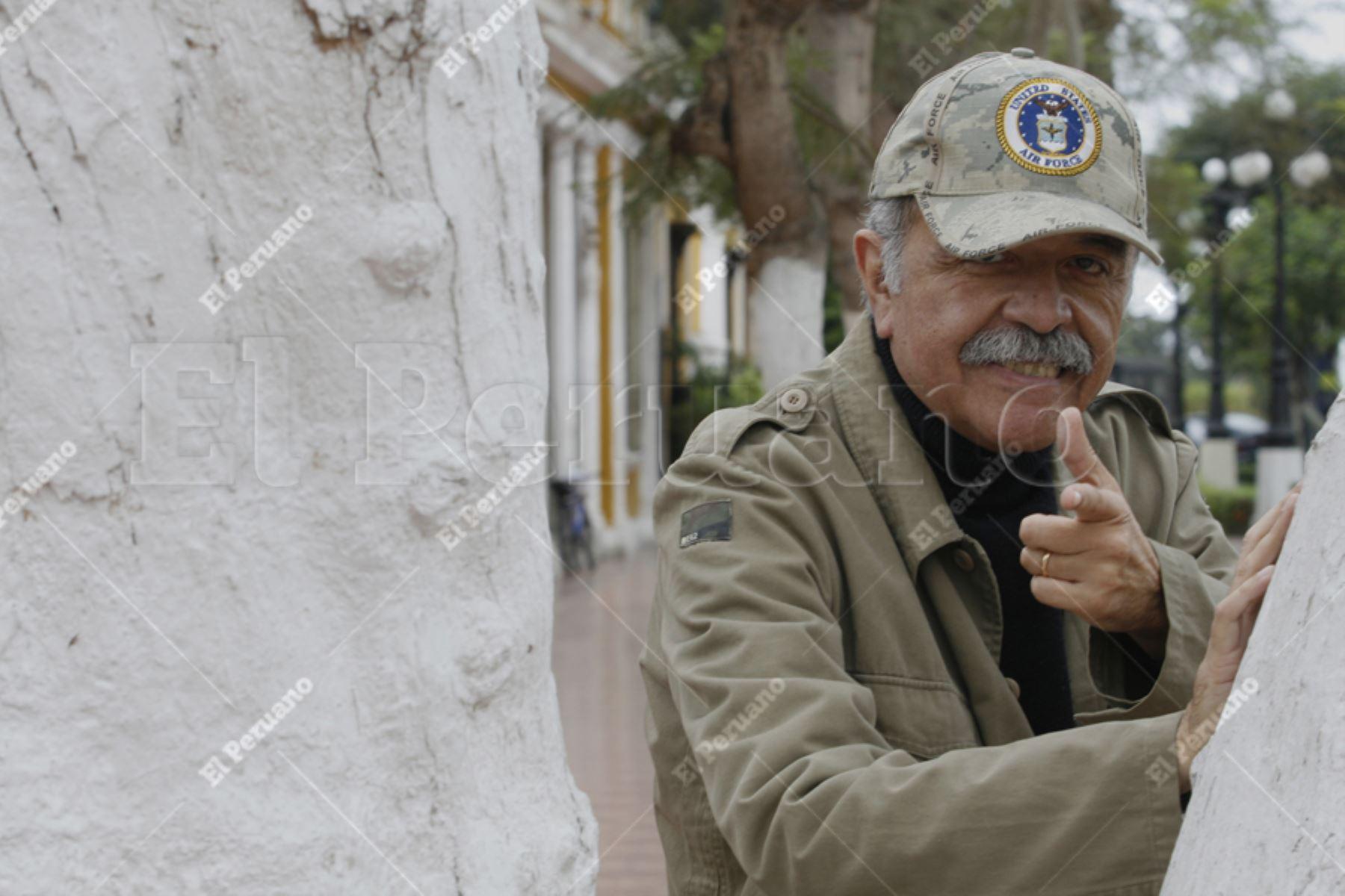 """Lima – 10 junio 2009 / Gerardo Manuel, músico peruano, compositor y fundador de numerosas bandas de rock, conductor del programa de TV """"Disco Club"""" en la década del 70.Foto:ANDINA/Archivo"""