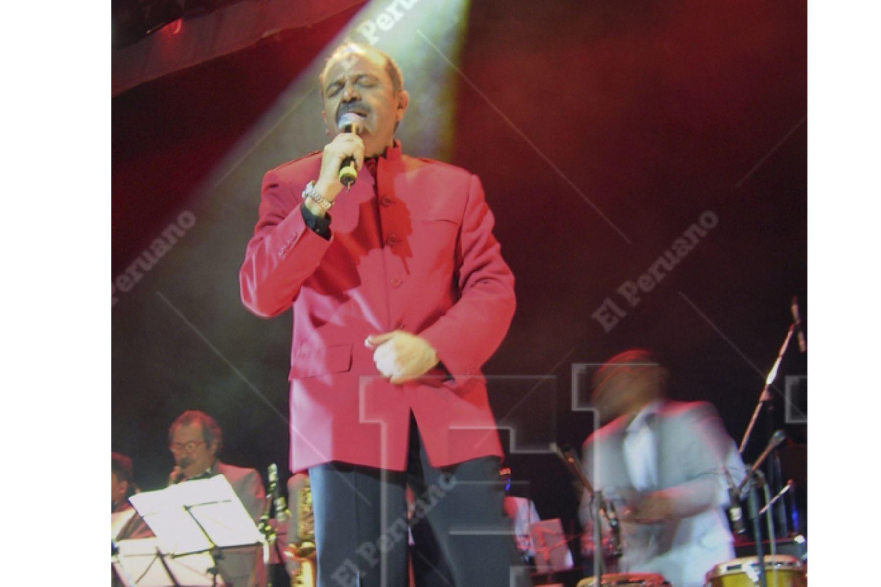 """Lima- 27 setiembre 2006 / Gerardo Manuel, musico peruano, y rockero de gran trayectoria, conductor del programa de TV """"Disco Club""""l  en la década del 70.Foto:ANDINA/Archivo"""