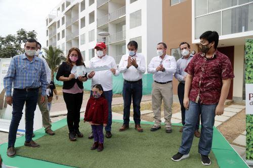 Crédito Mi Vivienda entrega llaves a propietarios de los departamentos del proyecto Parques del Chipe Condominio Club en Piura