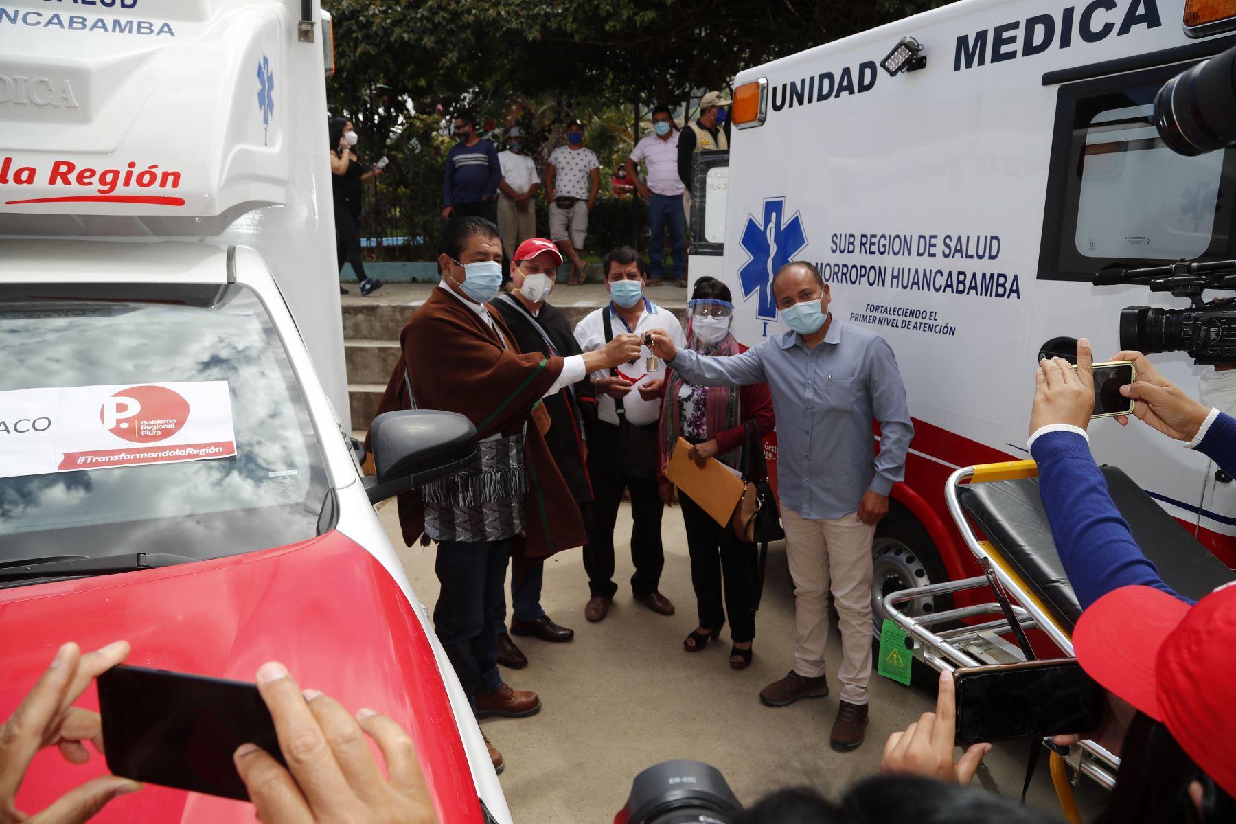 """El ministro Rodolfo Yáñez visitó  junto al alcalde de Piura, Juan Díaz Dios, el hospital de campaña """"La Videnita"""". Este centro cuenta con 200 camas regulares y 40 camas UCI para pacientes con covid-19.Foto:ANDINA/MVCS"""