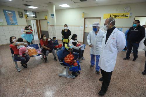 Coronavirus: El ministro Víctor Zamora realiza una visita inopinada al INSN.