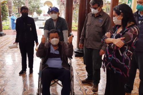 Coronavirus: Ingeniero venció el cáncer al riñón y al Covid-19 en Hospital Dos de Mayo