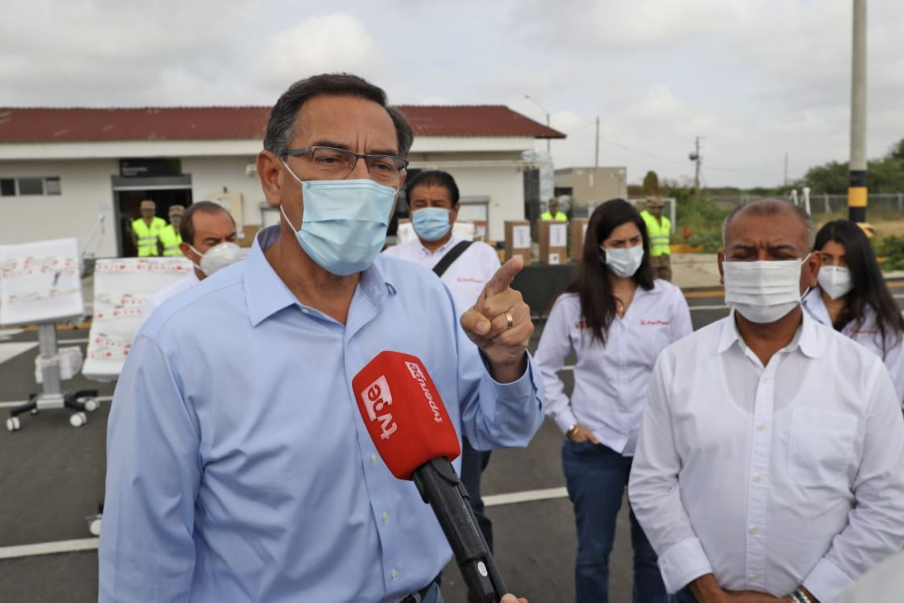 El mandatario llegó esta mañana a la región Tumbes con estos equipos, que forman parte de un lote de 400 adquiridos recientemente a una empresa china. Foto: ANDINA/ Prensa Presidencia