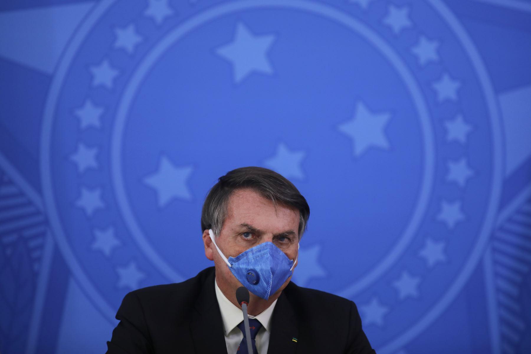 """El mandatario, uno de los pocos líderes mundiales negacionistas sobre el peligro de la enfermedad, califica a la pandemia como """"gripecita"""". Foto: AFP"""