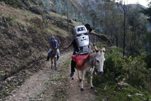 Coronavirus: Docente de ciencias y tecnología, construyó un robot para enseñar a sus alumnos que viven en comunidades alejadas en el Vraem
