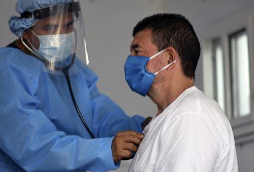La región es el actual epicentro de la epidemia, con 3`023,813 contagios y 139,999 fallecidos. Foto: AFP