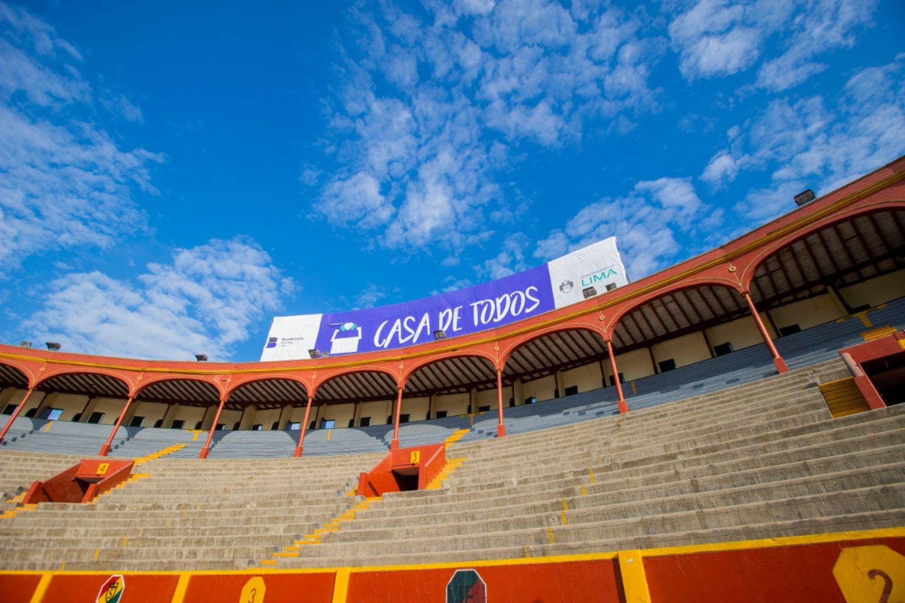 Hace 100 días, junto a la Beneficencia de Lima, el albergue la Casa de Todos abrió sus puertas para proteger y dar cobijo a personas en situación de calle, vulnerables al contagio de COVID-19.  Hombres y mujeres han encontrado en este lugar, su nuevo hogar. Foto: ANDINA/Municipalidad de Lima