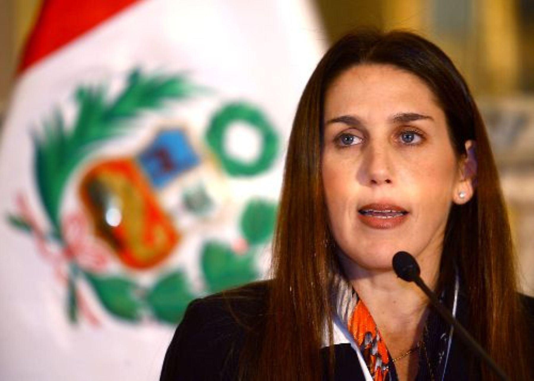 Carolina LIzárraga, congresista del Partido Morado.