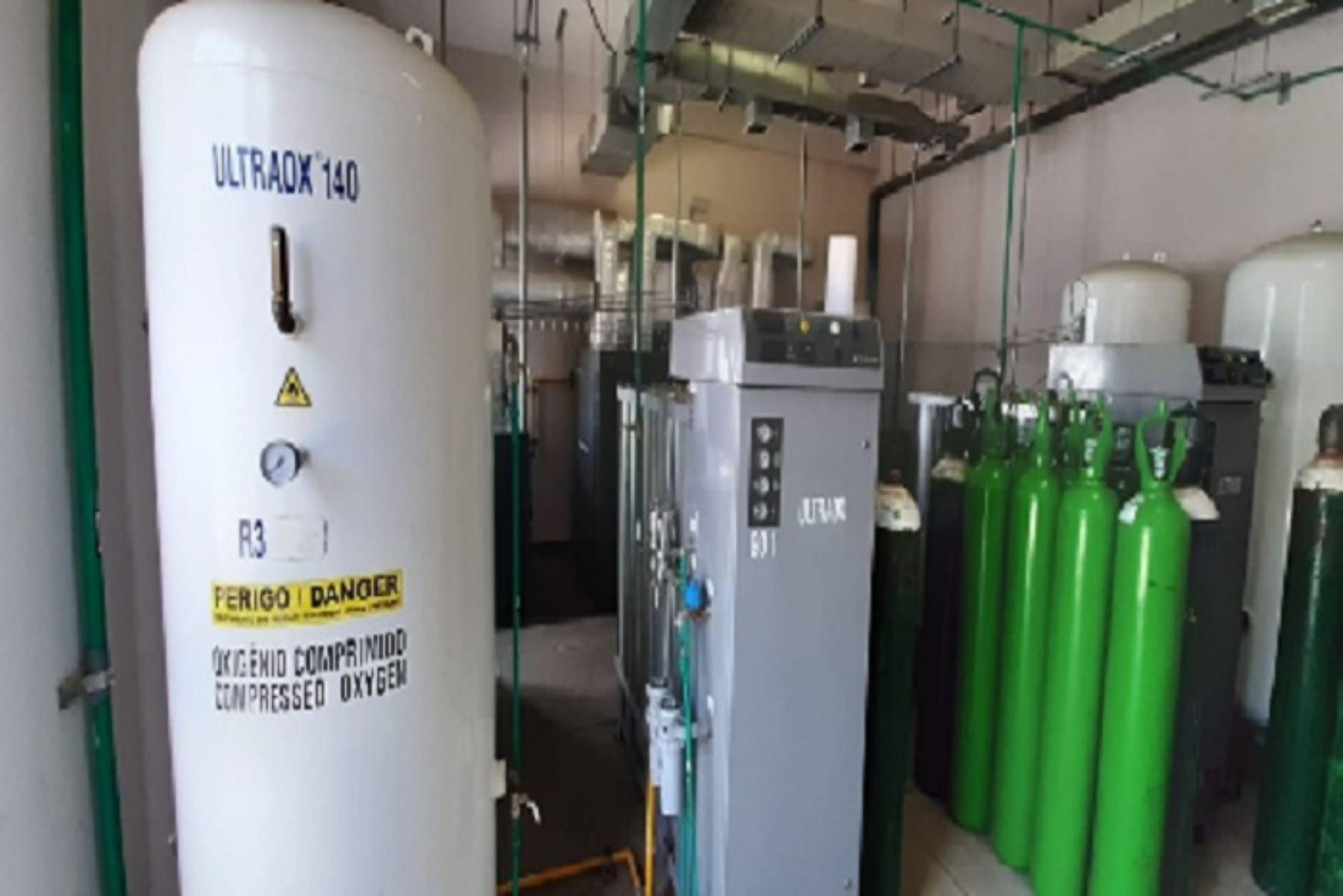 Algunas plantas de oxígeno ya están funcionando, otras se instalan y algunas están en camino, sostuvo el gobernador regional de San Martín, Pedro Bogarín.