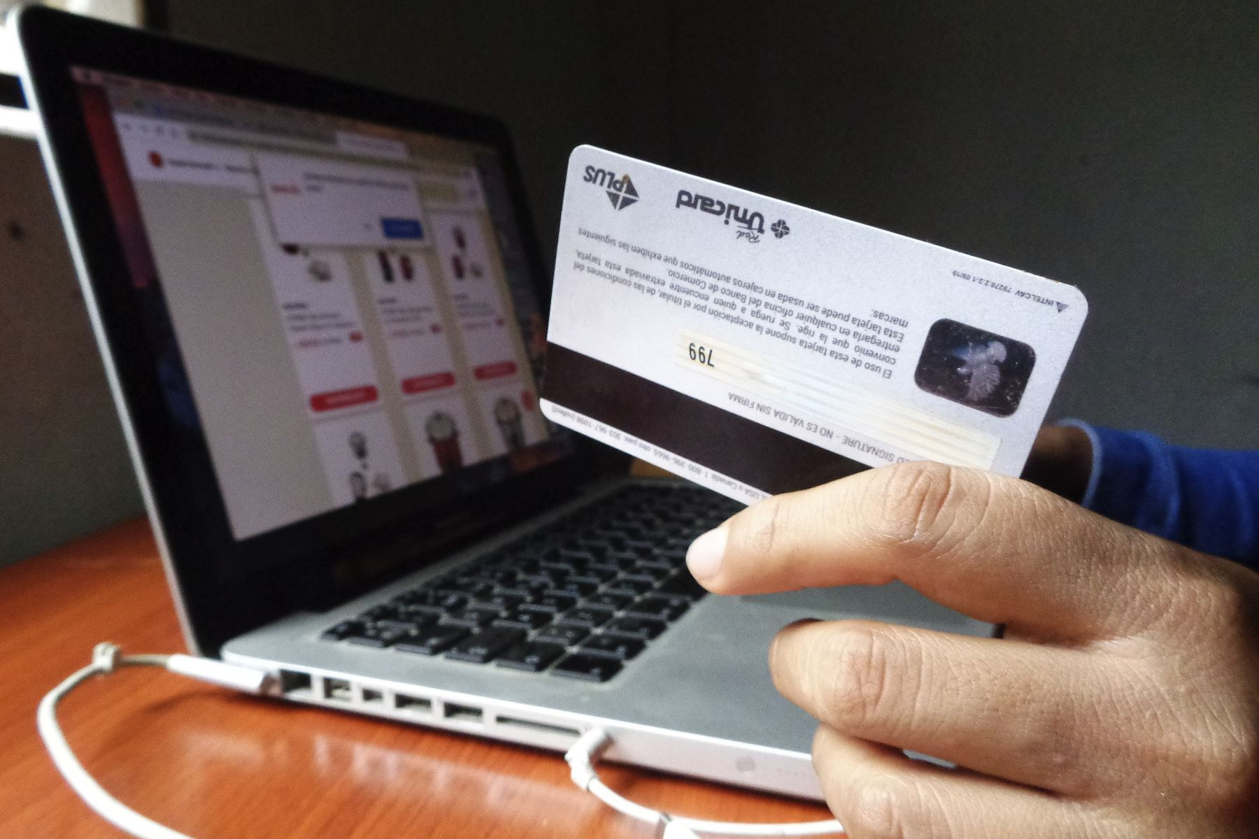 Ahora la búsqueda y la compra de productos y servicios se efectúan con mayor interés en las plataformas digitales. ANDINA/Jhony Laurente