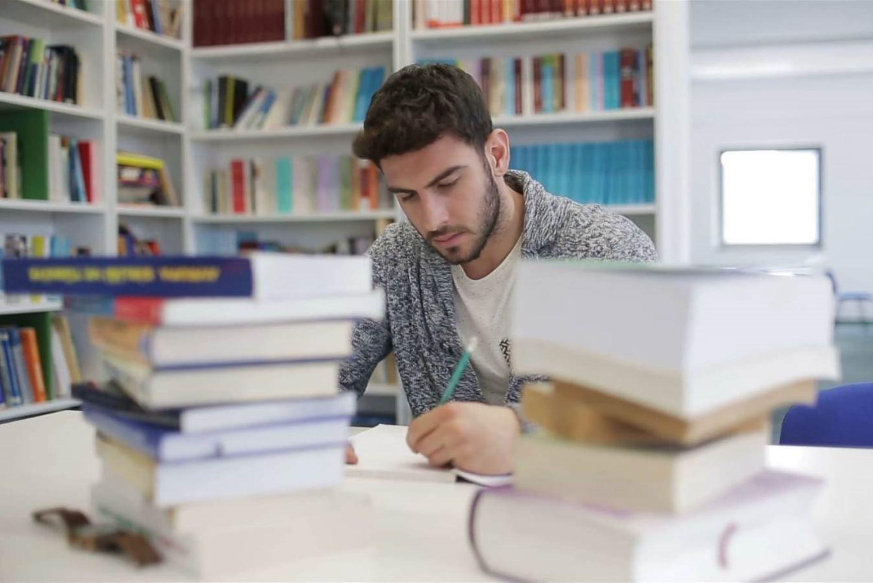 Reto Excelencia otorga $ 150,000 para posgrados en el extranjero. Foto: ANDINA/Difusión.